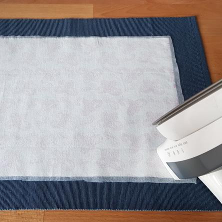 DIY-Anleitung Buchhüllen_Vlieseline bügeln
